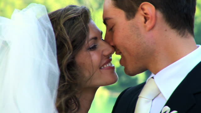 HD: Wedding Kiss