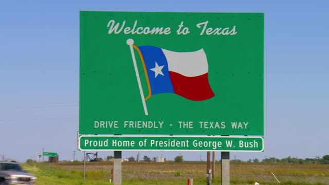 ZO, WS, Welcome to Texas sign on roadside near Seminole, Texas, USA