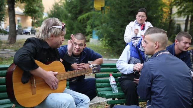 Well known Ukrainian pop singer Lery Winn plays a free acoustic show to entertain injured soldiers who fought with the Ukrainian military against the...