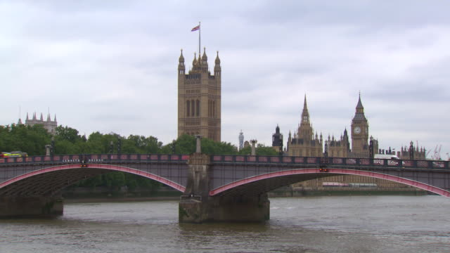 WS Westminster Abbey and Big Ben / London, United Kingdom