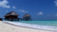 HD: White beach on Kuramathi
