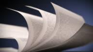 Weiße Buch-Seiten drehen. Nahaufnahme Endlos wiederholbar CG.