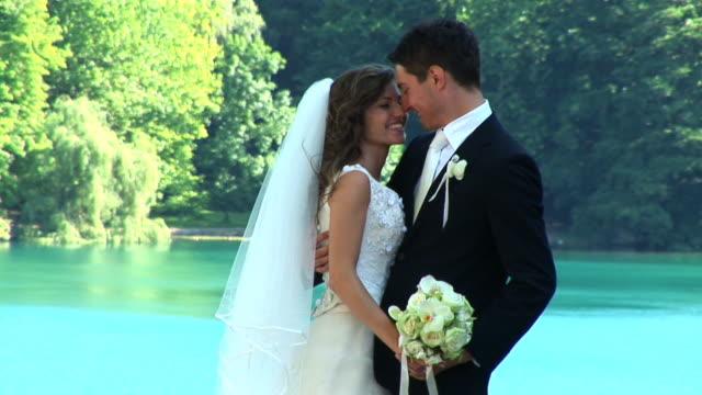 HD: White Wedding