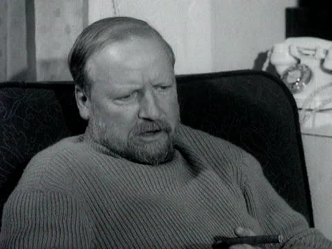 William Golding talks about how he sees writers as 'craftsmen' rather than 'artists'