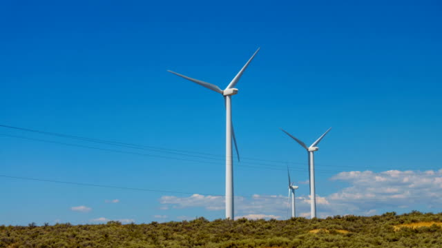 Windmills for electric power production in USA