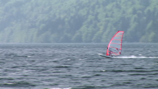 HD: Windsurfing