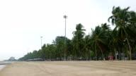 Windiger Tag und der Strand, Bang Saen Beach, Thailand