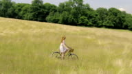 Woman country bike B