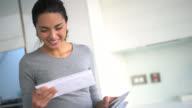 Frau bekommen per Post