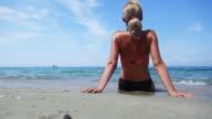 HD: Frau am Strand