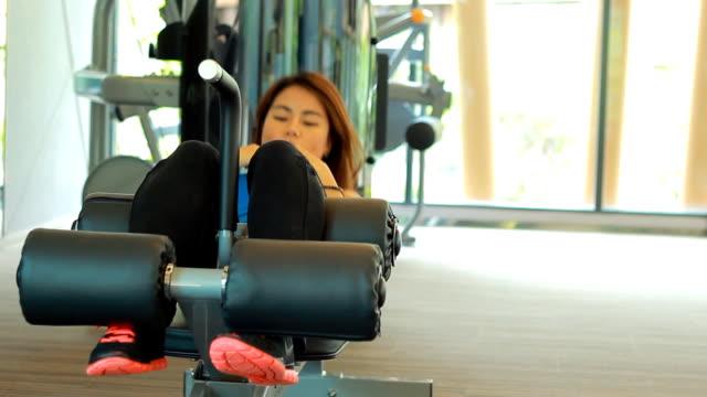 Woman sit-ups