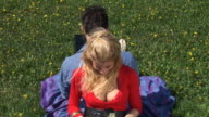 HD: Frau mit Laptop