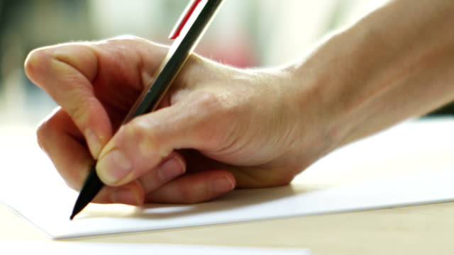 Donna di scrittura a mano