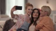 Frauen nimmt selfies