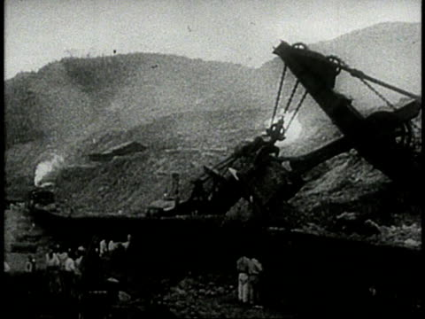Workers building the Panama Canal / Republic of Panama