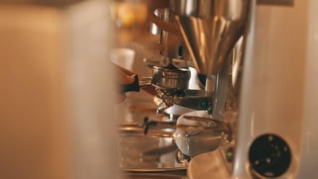 Werken in een café
