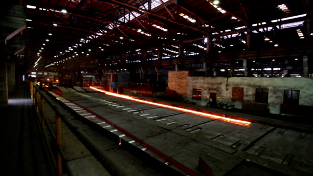 Der Stahl rolling Fabrik innen, Echtzeit.