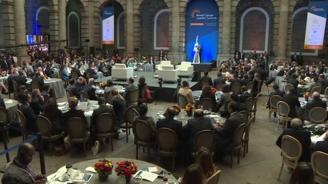 World leaders gathered in Mexico City Tuesday in a cancer summit criticising the high cost of oncological treatments and agreeing that social and...