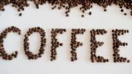 Schreiben Sie Kaffee Kaffeebohnen gemacht.