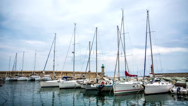 Yacht's