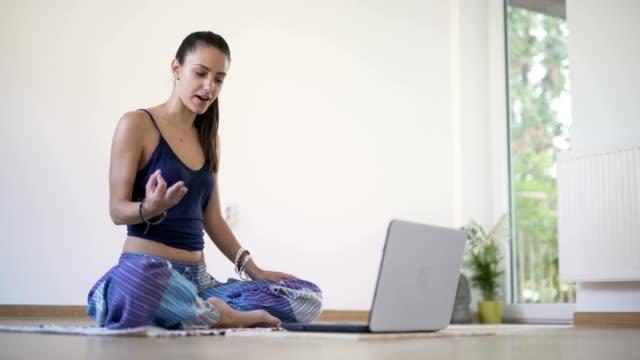 Yoga Vlogging