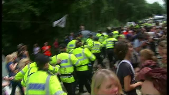 Yorkshire village takes on Swiss petrochemical giant over fracking injunction T19081314 / 1982013 Balcombe Antifracking protesters calsh with police...