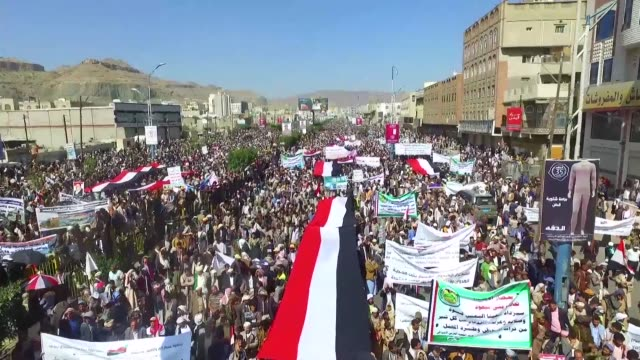 Young and old desk clerks and activists Yemenis of all walks of life took to the streets of Sanaa Monday to protest a Saudi led blockade that has...