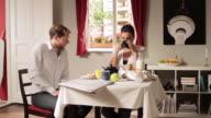 MS ZI Young couple having breakfast  / Berlin, Germany