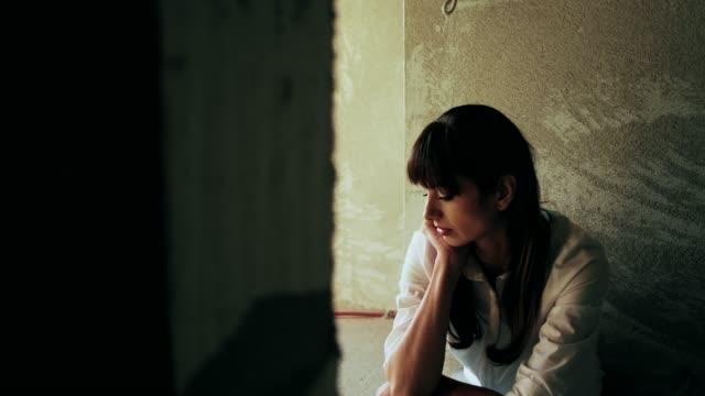 Junge Ein deprimierter Frau