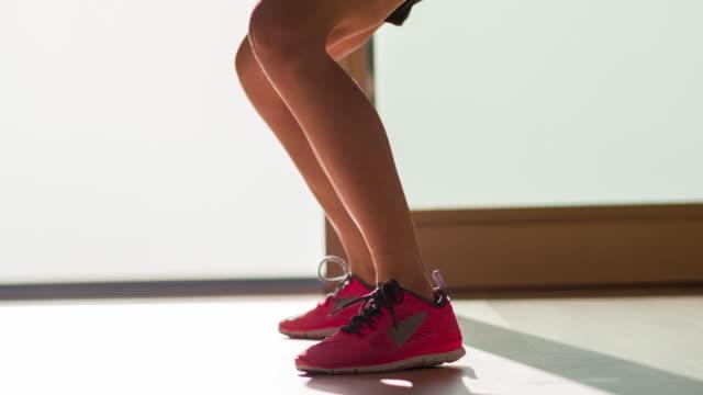 Junge Frau-Fitness-Workout