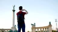 Jongeman reizen door heel Europa - time lapse beelden