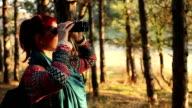 Junge Frau auf Wandern Ausflug