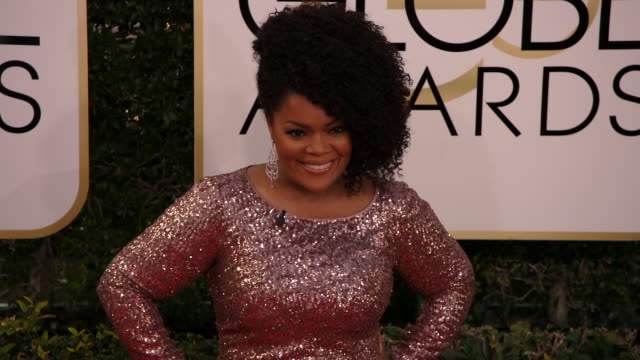 Yvette Nicole Brown at 74th Annual Golden Globe Awards Arrivals at The Beverly Hilton Hotel on January 08 2017 in Beverly Hills California 4K
