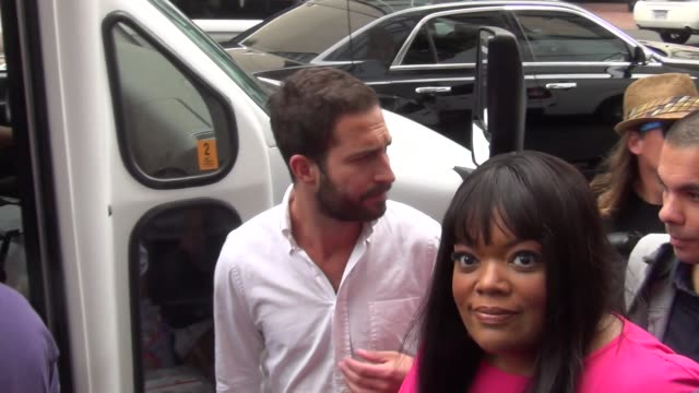 Yvette Nicole Brown talks about Comic Con on streets of San Diego Comic Con at Celebrity Sightings ComicCon International 2013 Celebrity Sightings...