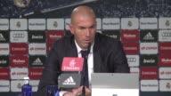 Zinedine Zidane nuevo entrenador del Real Madrid se estreno este martes a las riendas del primer equipo con la ambicion de reflotar al club