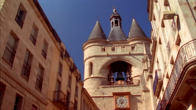 Zoom in bell and clock of La Grosse Cloche at 5:50 / Bordeaux, France