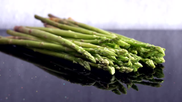 Zoom in Bunch of Asparagus (Asparagus officinalis) Spring Vegetables