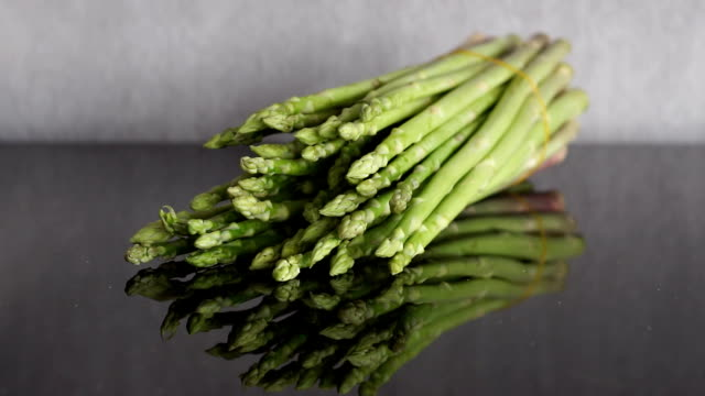 Zoom in to Asparagus (Asparagus officinalis) Spring Vegetables