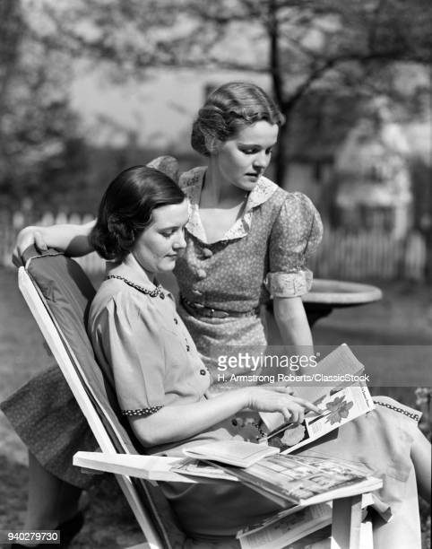 1930s TWO WOMEN IN...