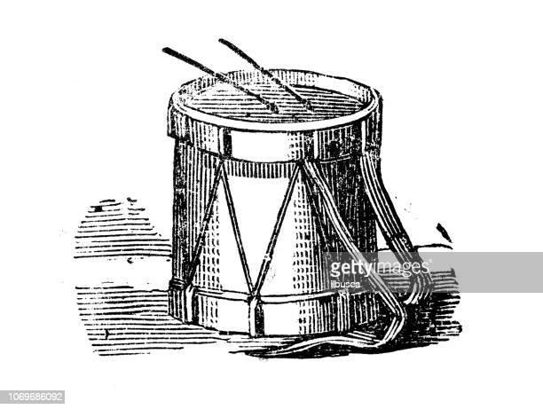 illustrations, cliparts, dessins animés et icônes de ancienne gravure illustration: tambour - tambour et batterie