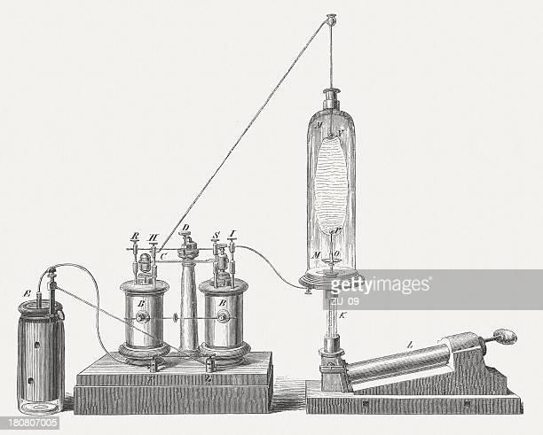 ilustraciones, imágenes clip art, dibujos animados e iconos de stock de luz artificial del norte por emil stöhrer, publ. 1854 - material de vidrio de laboratorio