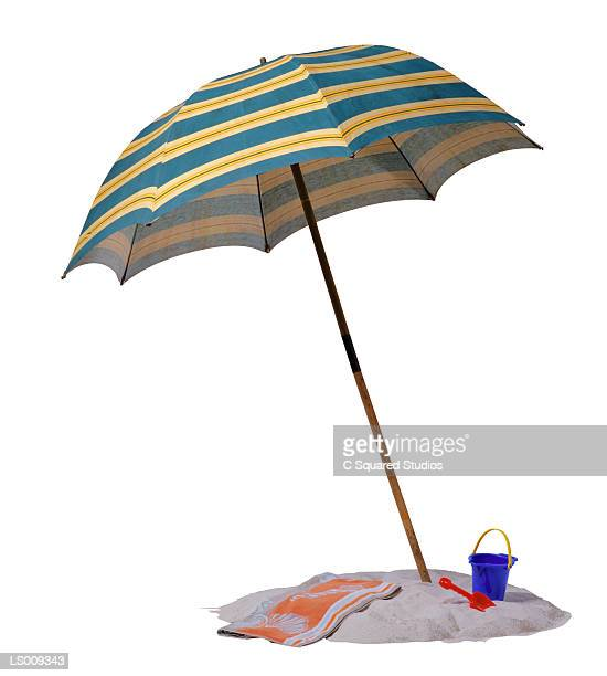 illustrations, cliparts, dessins animés et icônes de beach umbrella - parasol de plage