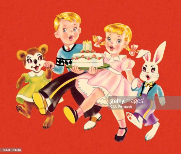 illustrations, cliparts, dessins animés et icônes de garçon et fille avec un gâteau d'anniversaire - anniversaire enfant