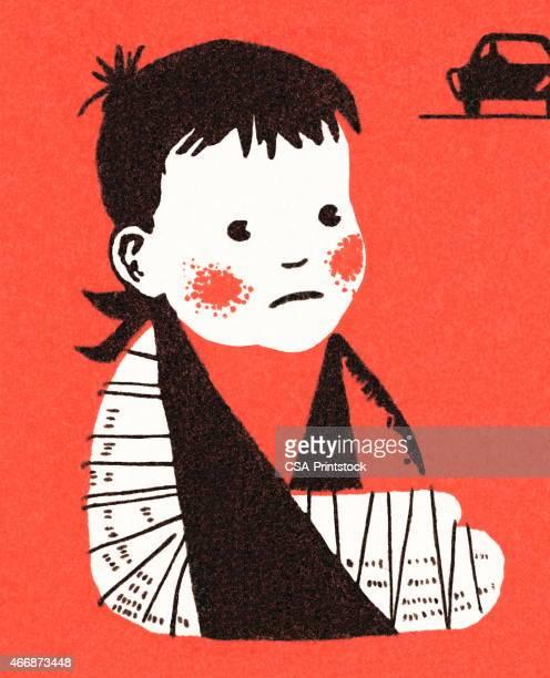 ilustraciones, imágenes clip art, dibujos animados e iconos de stock de niño con brazo fracturado - maltrato infantil