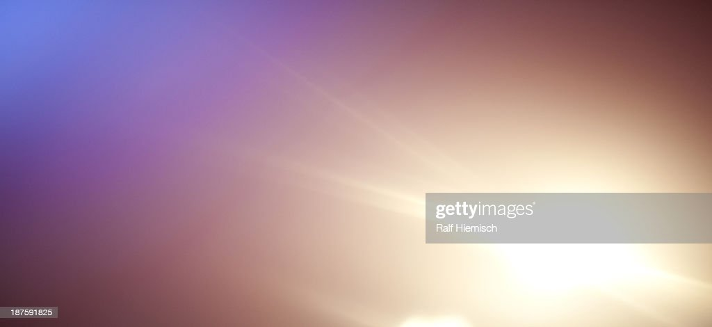 A bright glowing spot on a tranquil background : Stock-Illustration