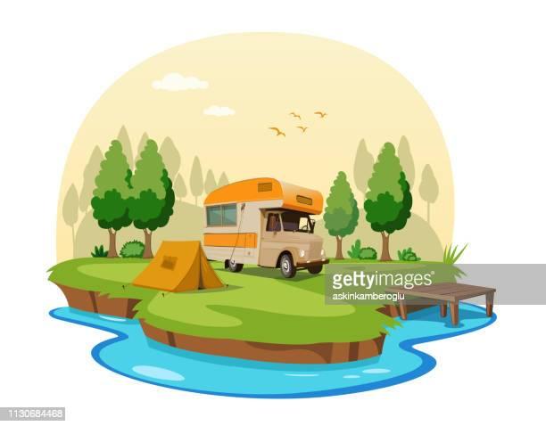 illustrations, cliparts, dessins animés et icônes de caravane - camping car
