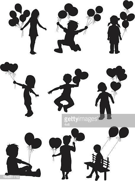 illustrations, cliparts, dessins animés et icônes de enfants jouant avec des ballons - petites filles