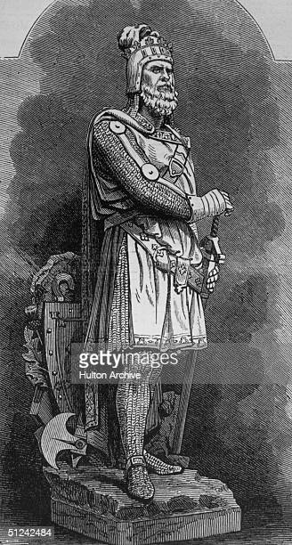 Circa 1310, An engraving of a statue at Stirling of Scottish patriot Robert Bruce , King of Scotland .