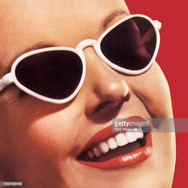 ilustrações, clipart, desenhos animados e ícones de close-up do sorriso com óculos de sol - entusiástico