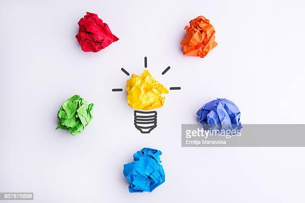 bildbanksillustrationer, clip art samt tecknat material och ikoner med colorful crumpled paper balls - newtons pendel